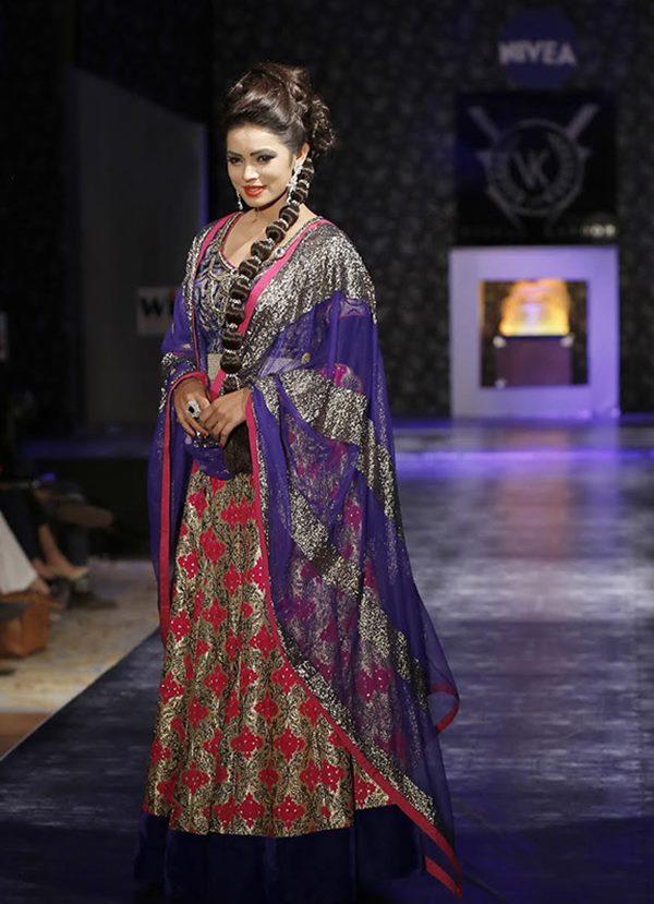 Zarine Khan and Ajaz Khan rocks_Nov 12_2014_005