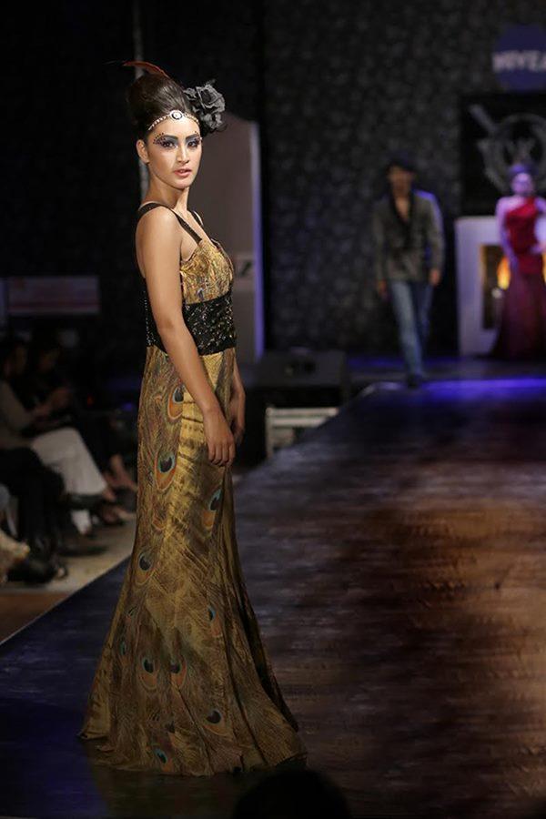 Zarine Khan and Ajaz Khan rocks_Nov 12_2014_007