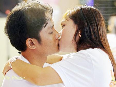 kiss_caharg_photo_b