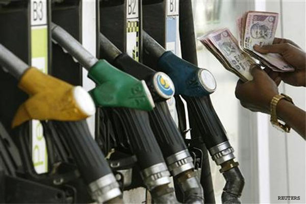 petrol-price-hiked-by-75-paise-diesel-by-50-paise_310513085345