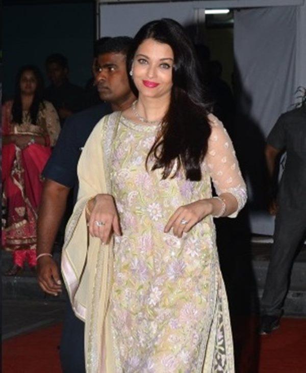 Abhishek & Aishwarya-Dece 23- 2014_004
