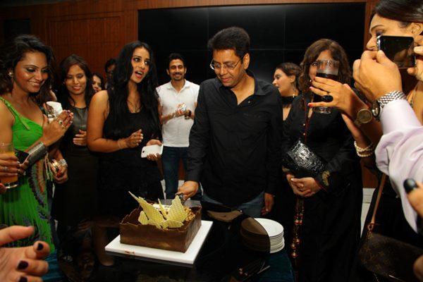 Bollywood stars -Dece4_2014_003