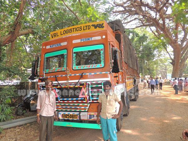 Bus_Lorry_halle (4)