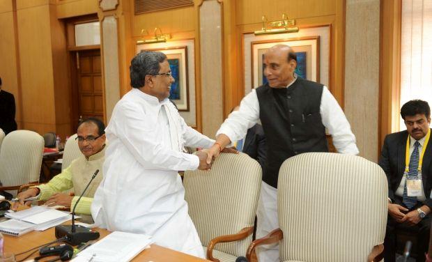CM_Karnataka_meets-Rajnath_Singh