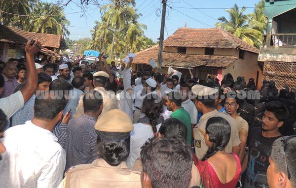 Gangolli-Jaameeya_Protest
