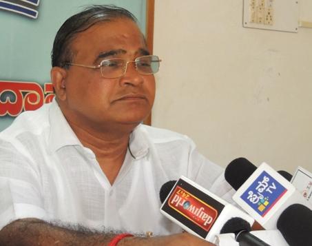 Gopala_Poojary_Press meet (1)