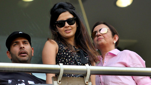 Indian-cricketer-Yuvraj-Singh-wife-of-Indian-captain-M-S-Dhoni-Sakshi-Dhoni-and-Nita-Ambani-during-the-2nd-day