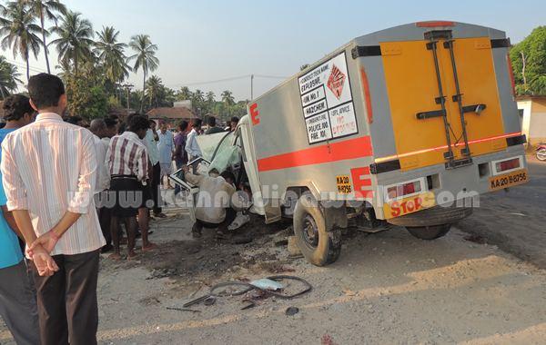 Kumbashi_Bus-pickup_Accident (15)