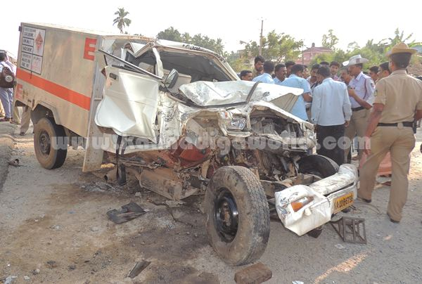 Kumbashi_Bus-pickup_Accident (3)