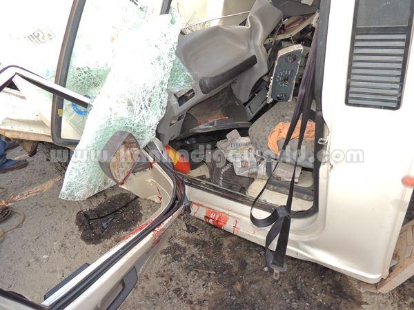 Kumbashi_Bus-pickup_Accident (6)