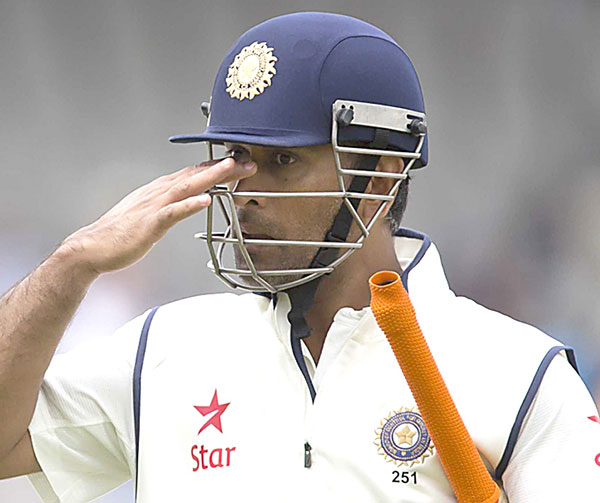 ms-dhoni-india-manchester-edit