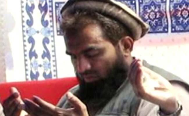 zaki_ur_rehman_lakhvi_praying_650