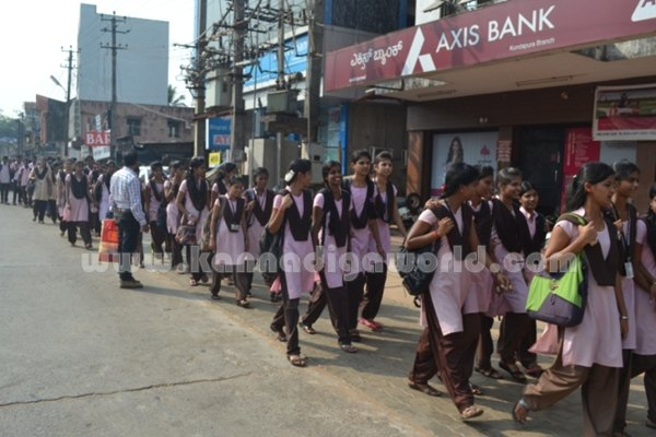 Bhandarkars_College Students_Protest (10)