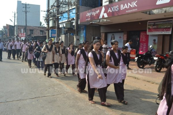 Bhandarkars_College Students_Protest (11)