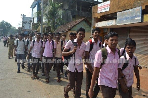 Bhandarkars_College Students_Protest (13)