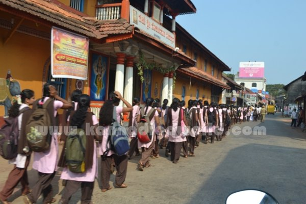 Bhandarkars_College Students_Protest (14)