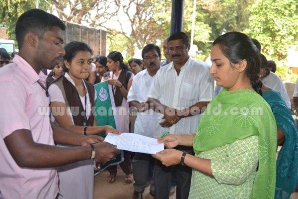 Bhandarkars_College Students_Protest (20)