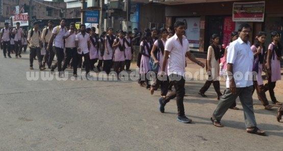 Bhandarkars_College Students_Protest (6)