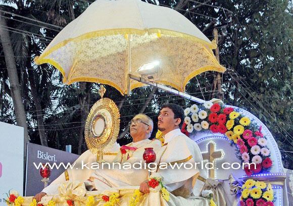 Bishop_news_photo_3a