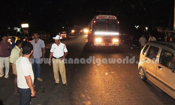 Kumbashi_bus-car_Accident_ (1)