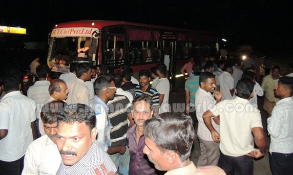 Kumbashi_bus-car_Accident_ (4)