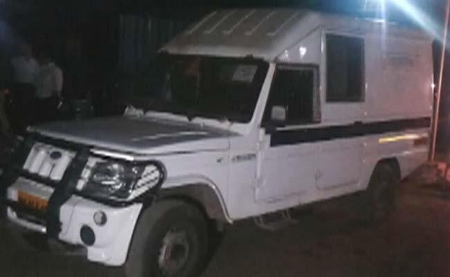 Mumbai_ATM_van_looted_650_16Jan15
