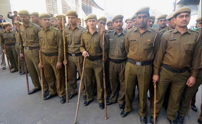 gurgaon-cops_650x400_61423849166