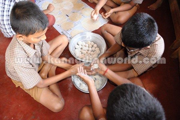 Seva Sangama-School_Students. (2)