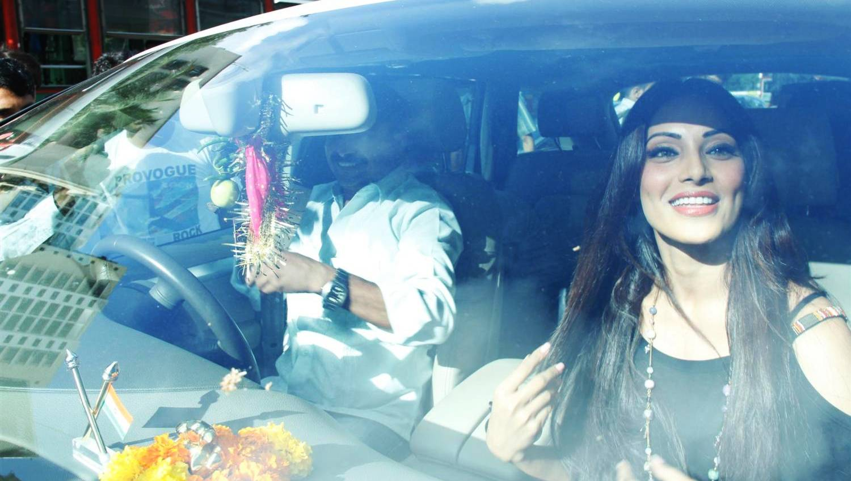 Bollywood-actor-Bipasha-Basu-finds-comfort-in-superstition