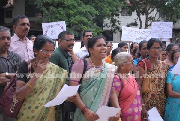 Kundapura_Ladies_Protest (10)
