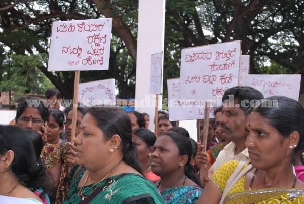 Kundapura_Ladies_Protest (15)