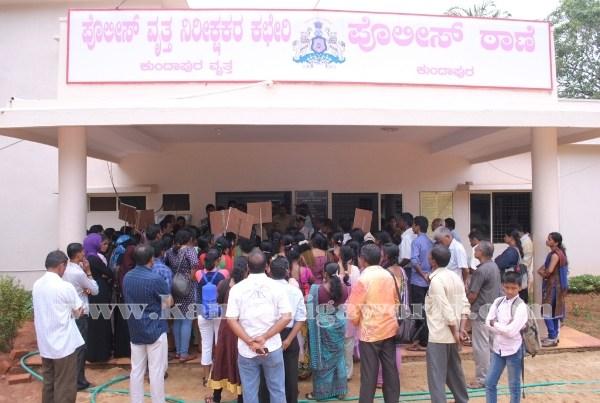 Kundapura_Ladies_Protest (20)