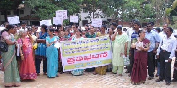 Kundapura_Ladies_Protest (6)