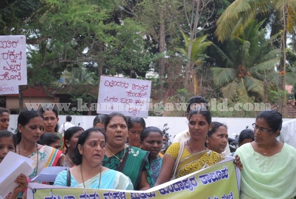 Kundapura_Ladies_Protest (9)