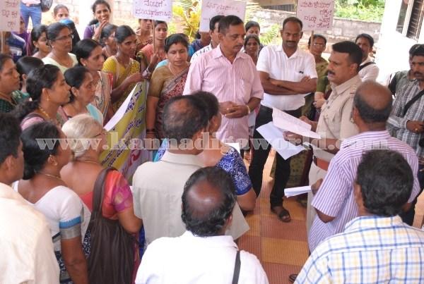 Kundapura_Ladies_Protest