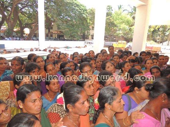 Ladies_ Protest_ Gopadi case (11)