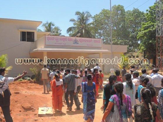Ladies_ Protest_ Gopadi case (13)