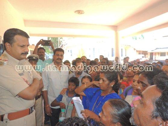 Ladies_ Protest_ Gopadi case (14)