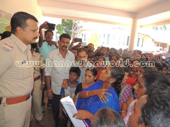 Ladies_ Protest_ Gopadi case (16)