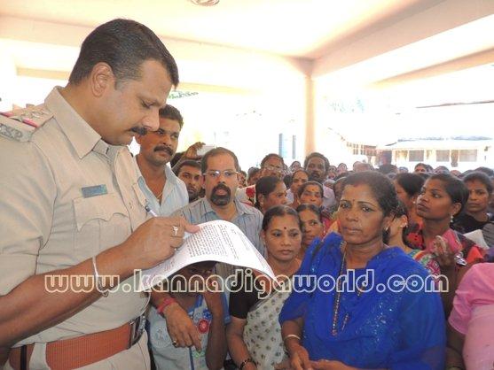 Ladies_ Protest_ Gopadi case (17)