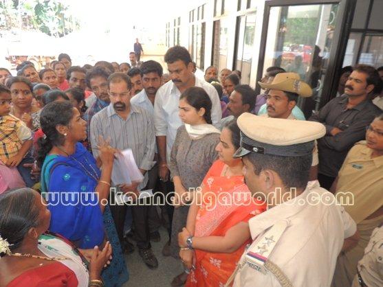 Ladies_ Protest_ Gopadi case (8)