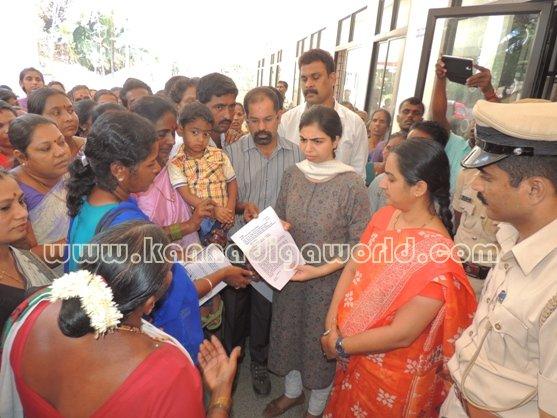 Ladies_ Protest_ Gopadi case (9)