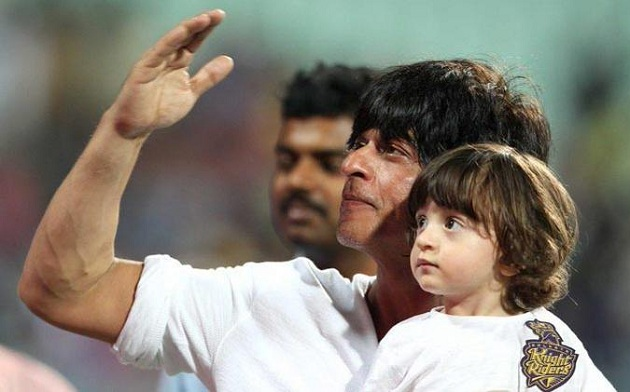 Shahrukh-Khan-with-son-AbRam