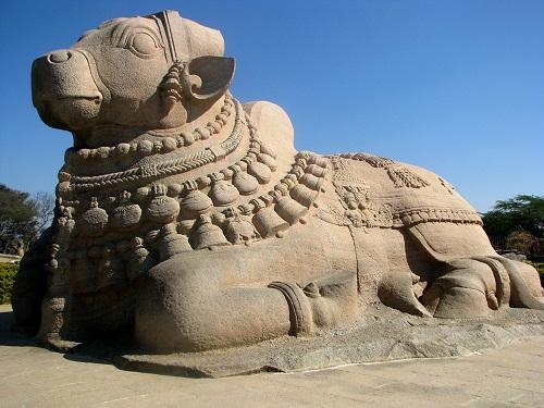 Ancient India Architecture-Hanging Pillars Of Lepakshi