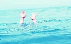 drown_swim_pool