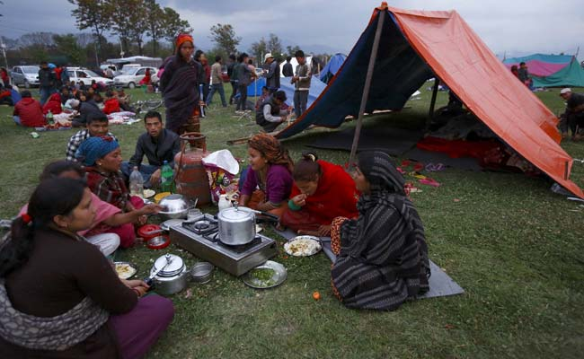 nepal-people-in-tents_650x400_51430112606