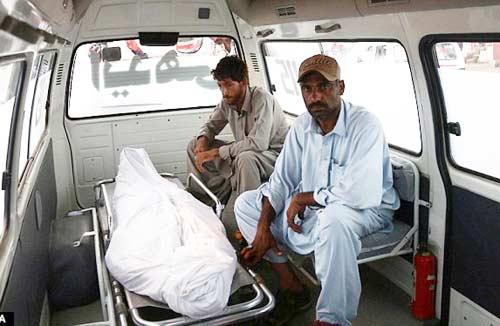3-Hanged-in-Pakistan