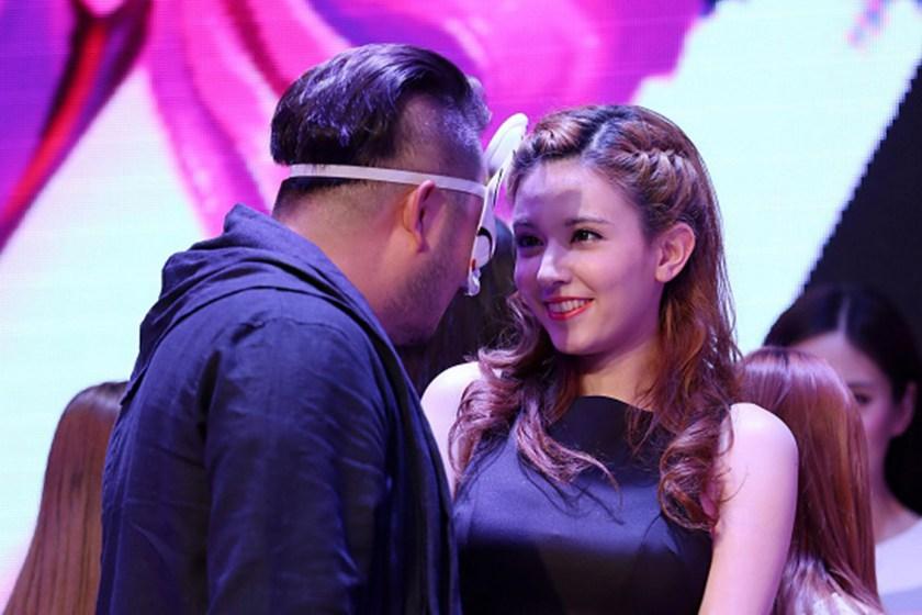 Japanese AV Actress Takizawa Rola Promotes Online Game In Beijing