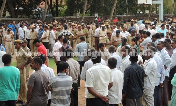 Kundapura_Police_Roalcal (2)