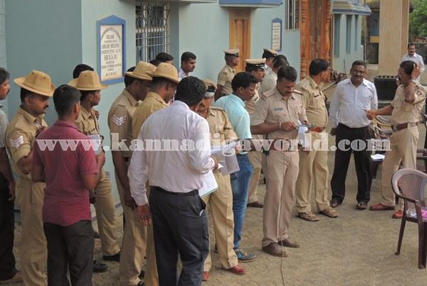 Kundapura_Police_Roalcal (4)